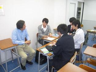 グループ学習に小林さんも参加