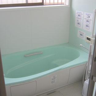 母屋 浴室
