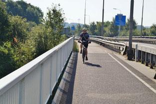 Die Brücke über dem Julianakanal