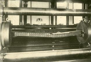Druckprobe in der Emery-Prüfmaschine am US-amerikanischen National Bureau of Standards