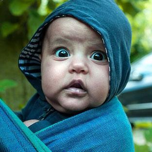 Как бебето да е спокойно в слинг