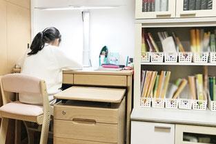 プロ家庭教師で整理収納アドバイザーの中島亜季が学習空間コンサルに伺います。奈良大阪京都兵庫。