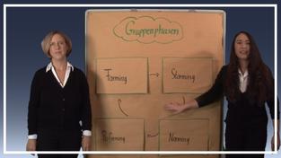 Pinnwand-Moderation mit Inge Bell und Bettina Hafner - Szene aus der Vorlesung