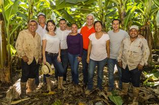 マヌエル・レオン(右)とマイラ夫妻
