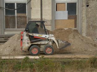 Foto Baufahrzeug am Bahnhof Grevesmühlen