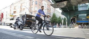 Unterwegs mit dem e-Bike in der Stadt