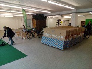Die ersten e-Bikes treffen in der e-motion e-Bike Welt Stuttgart ein