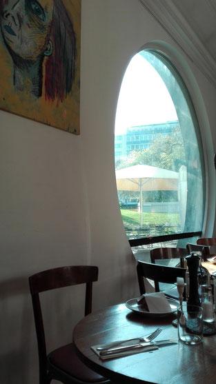 cafe zum kuss Basel Schweiz