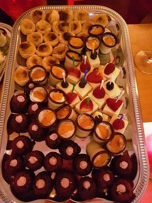 Dessert Fingerfood Pasteis de Nata Cheesecake Cognacküsschen