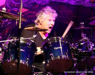 Dynamisch: Schlagzeuger Simon Dawson.