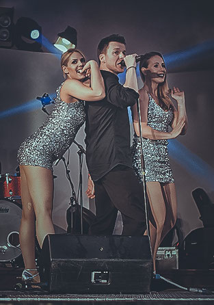 Robbie Williams Coverband dancers