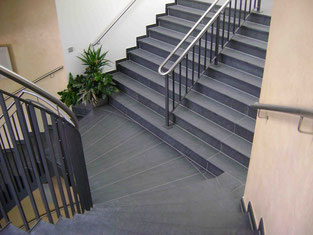 Treppenaufgang in Nero Assoluto