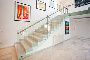 Moderne Treppengeländer und Brüstungen aus Glas ©Schollglas