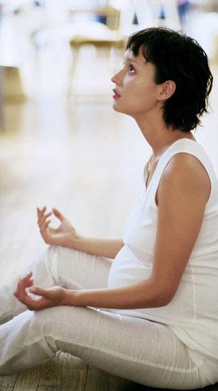 Auch schwangeren Frauen steht nichts im Weg, für die obligatorische Grundversicherung die Krankenkasse zu wechseln.