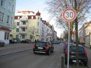 Endlich: Tempo 30 in der Hemmstraße