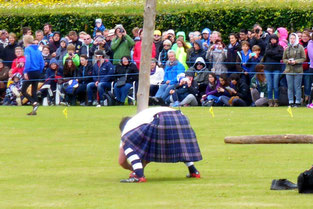 Starting the caber toss