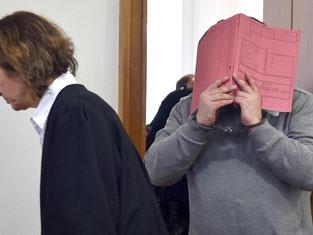 Der ehemalige Krankenpfleger muss wegen Mordes lebenslänglich ins Gefängnis. Foto: Carmen Jaspersen