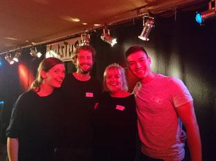 Klub Aufsturz Klubbekanntschaften Improtheater Berlin Komplimente Erstes Date