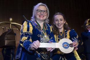 Foto: Pressestelle Stadt Gelsenkirchen, KG Narrenzunft Prinzessin Martine III und KInderprinzessin Maxima I