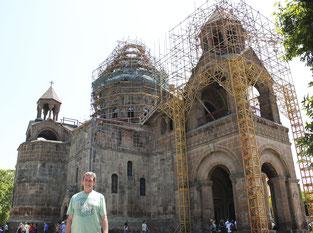 desde la Catedral de Echmiadzin (Patrimonio UNESCO armenio) en 2018