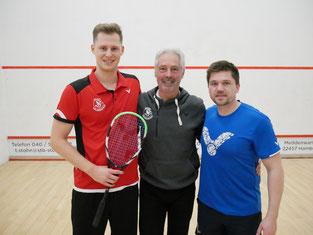 Hendrik Remer (l) und Kai Rixen (r) mit SVN-Präsident Peter Fischer | Foto: DSQV e.V.