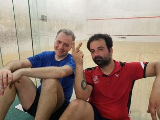 Torsten Riegler (KSC) und Mustafa Jodehl (SVN) nach dem letzten Spiel des Tages