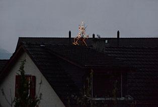 30. November 2014 - Erster Adventsonntag mit dem Christbaum der in den Himmel wächst.