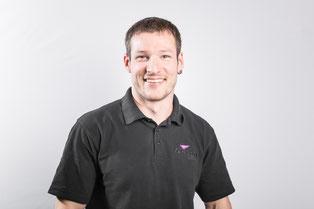 Dominik Kohler von der Firma Brasser AG in Zizers bei Chur, Tontechniker und Lichttechniker, Rigger und Lastwagenfahrer