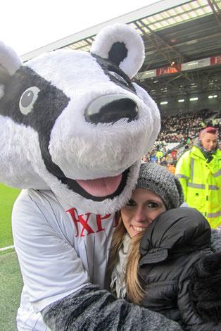 Un PopPacker con la mascotte del Fulham