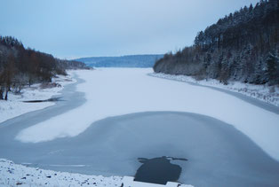 Winter an der Aabach-Talsperre