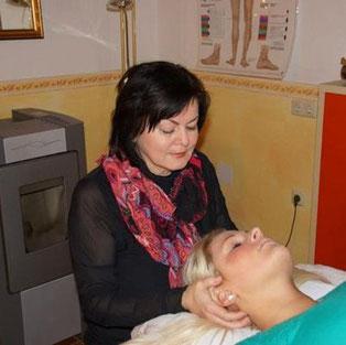 Cranio Behandlung am Kopf