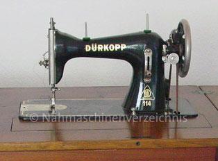 Dürkopp 114, Flachbett-Nähmaschine mit Fußantrieb und CB-Greifer, Hersteller Dürkopp AG, Bielefeld (Bilder: H. Hirschinger)