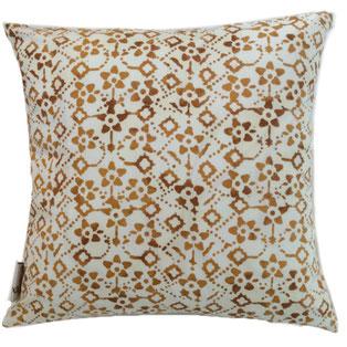 Textiil Indigo Batik Lumbar Pillow
