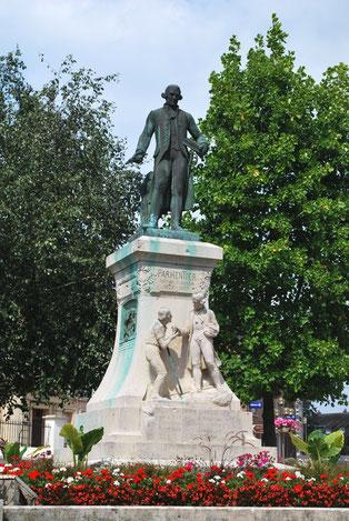 la statue de Parmentier à Montdidier
