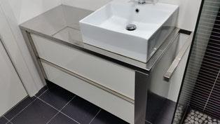 mueble de baño en acero inoxidable a medida