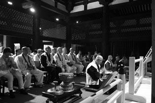 壺阪寺本堂で東日本大震災 慰霊者に供養の法要