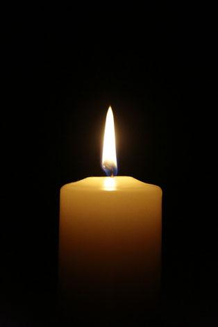 heute habe ich für meinen Bruder eine Kerze  angezündet