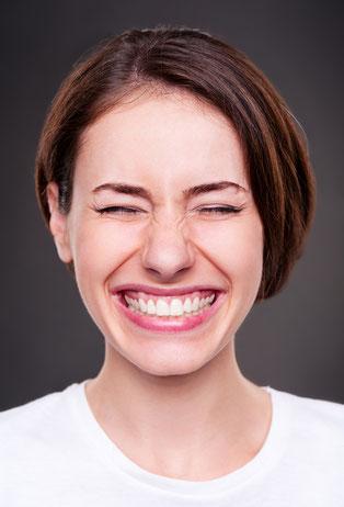 Weiße und strahlende Zähne sind einfach ein Hingucker