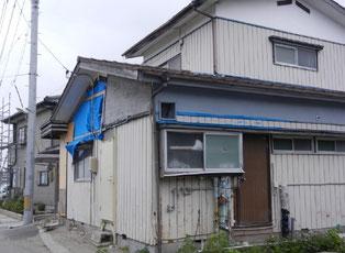 津波被災地では、被災した建物が今も多く取り残されています