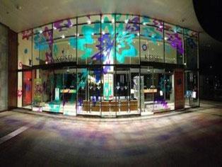同じく京成百貨店。夜だと印象が変わります