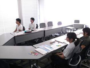 生徒にとって教えていただくこと全てが新鮮でした。全員集中してお話に耳を傾けていました。