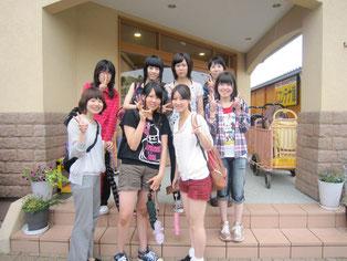 終わってから生徒たちと引率教員で記念写真。