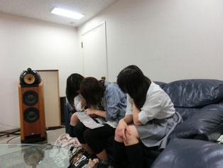 7月1日、軽音部の生徒が訪問して試聴