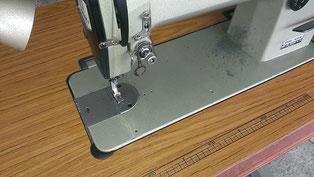 本縫い自動糸切り工業用ミシンのJUKI DDL-505 です。