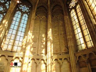 Deux fenêtres de l'abside sont également obstruées.