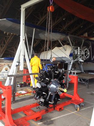 Pose du nouveau moteur en étoile sur le Stearman