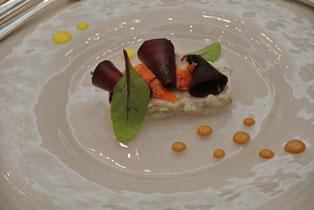 オマール海老のコンフィ 香草風味のシーフードのバヴィ
