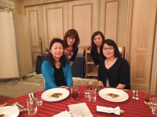 4っのライオンズクラブの美人事務局員集合