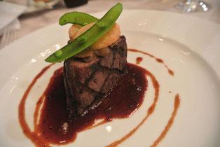 牛フィレ肉のグリル トリュフが薫るレンズ豆のピュレ添え