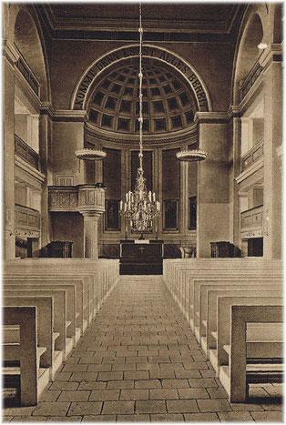 Inneres mit Zitat über dem Apsisbogen (Lukas 14, 15-24), 1920er Jahre.